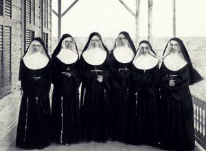 Catholic-nuns-in-habits