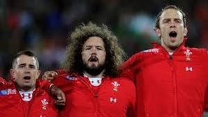 Rugby-players-vary-in-size-but-all-sing