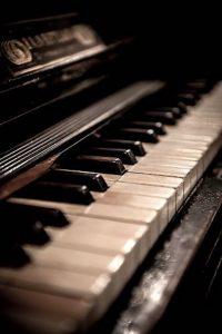 1920s_piano_keyboard
