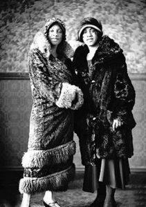 Harlem_Black_Women's_Fashion_1920s