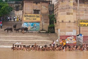 Ganges_Bathers