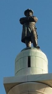 Robert_E_Lee_Monument_at_Lee_Circle_New_Orleans_Louisiana