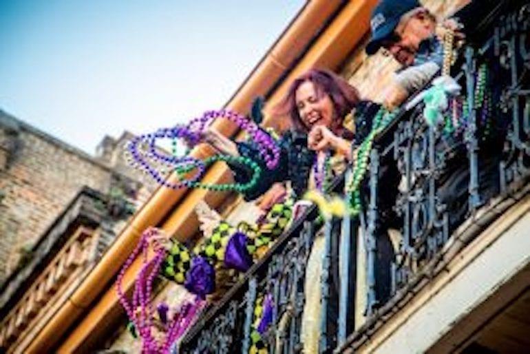 Mardi_Gras_balcony