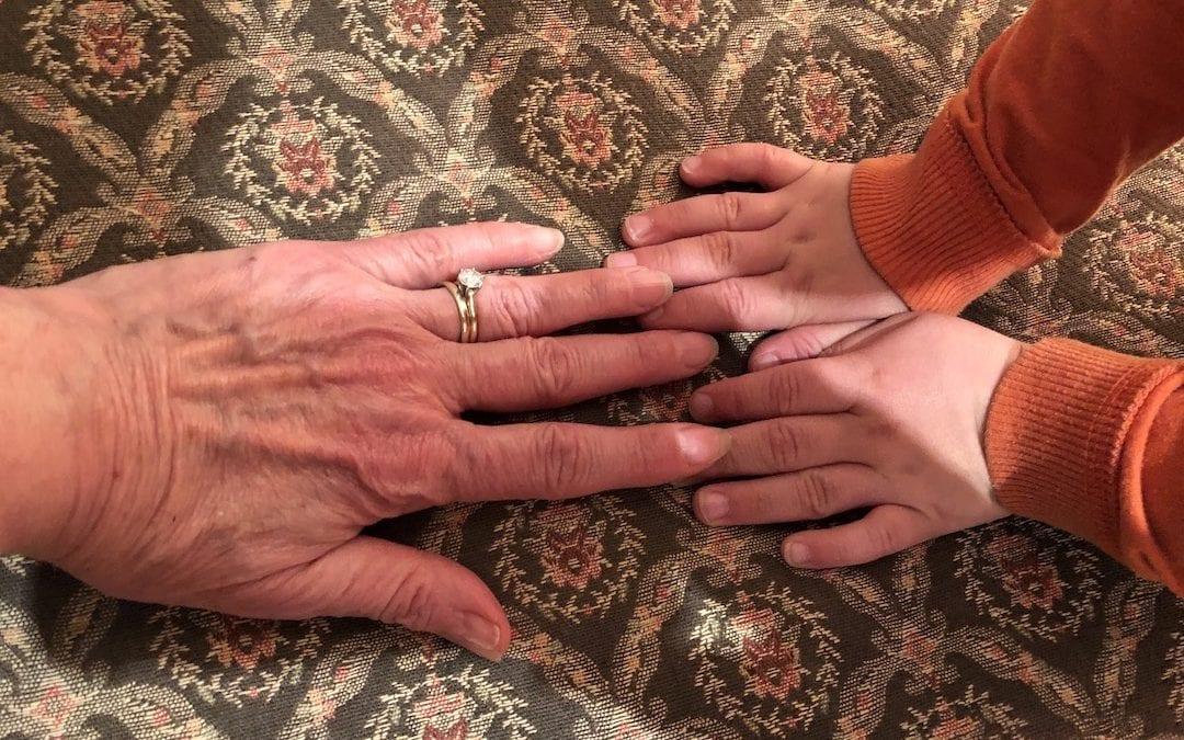 Grandma_and_grandson_hands