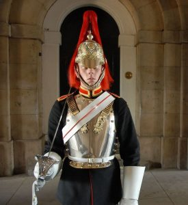 Buckingham_Palace_asleep_on_the_job