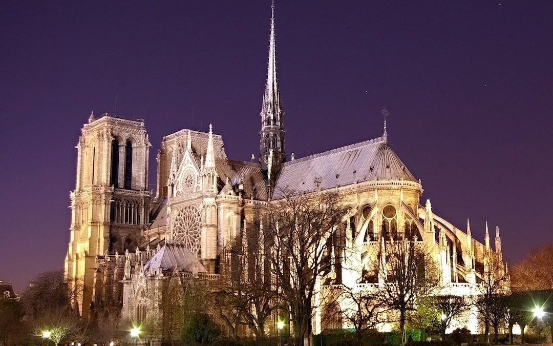 Notre_Dame_at_night